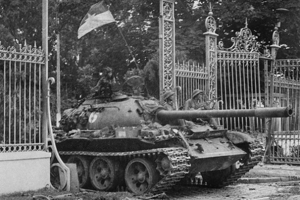 Agence France-Presse/Getty ImagesThough many are familiar with the North Vietnamese Army breaking through the gates of the South Vietnamese presidential palace in April 1975, less is known about what happened afterward. A new book by a Vietnamese journalist aims to change that.